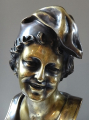 Chlapec v čapce - bronz (4).JPG