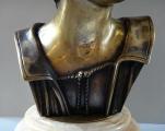 Chlapec v čapce - bronz (5).JPG