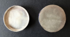 Dózička se smaltem a řezaným jadeitem (4).JPG