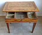 Barokní stůl s tajnými přihrádkami (3).JPG