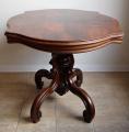 Oválný stolek se splétanou nohou -  Druhé Rokoko (2).JPG