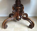 Oválný stolek se splétanou nohou -  Druhé Rokoko (3).JPG