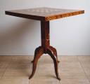 Šachový bohatě intarzovaný stolek (2).JPG