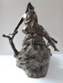 Secesní socha dívky u jezírka (3).JPG
