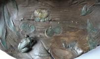 Secesní socha dívky u jezírka (6).JPG