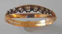 Náramek s diamantovými routami (3).JPG