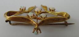 Zlatá secesní brož s opály (2).JPG