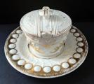 Nádoba s talířem - Míšeň, Biedermeier (2).JPG