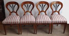 Čtyři biedermeierové židle s černými výplněmi (1).JPG