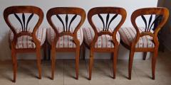 Čtyři biedermeierové židle s černými výplněmi (2).JPG