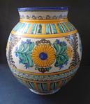 Fajánsová lidová váza