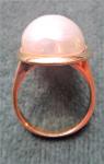 Stříbrný prstýnek s perlou