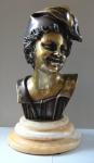 Chlapec v čapce - bronz