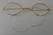 Gold glasses - Emil Vacha