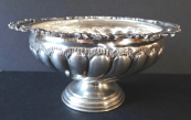 Silver bowl on the foot and rocailles