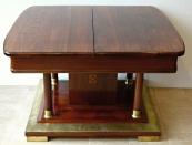 Secesní rozkládací stůl v mahagonu