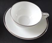 Šálek na kávu s platinovou linkou - Březová