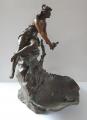 Secesní socha dívky u jezírka (2).JPG