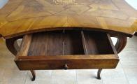 Barokní stůl s erbem (4).JPG