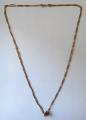 Zlatý dlouhý řetízek s kytičkou (1).JPG