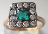 Prsten se smaragdem a brilianty (1).JPG