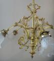 Mosazný historizující lustr se zvonky (6).JPG