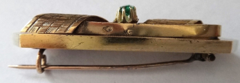 Zlatá brož se zeleným kamínkem - Vídeň (2).JPG