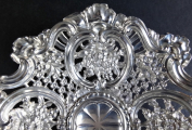 Stříbrná miska v druhorokokovém stylu (3).JPG