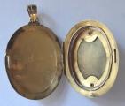 Zlatý medailon s tyrkysem - Biedermeier (3).JPG