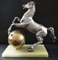 Stolní hodiny se soškou koně (3).JPG