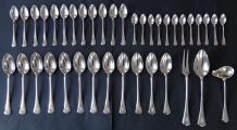 Stříbrné příbory pro dvanáct osob (1).JPG