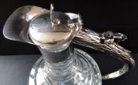 Džbán z broušeného skla, se stříbrným úchytem (3).JPG