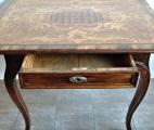 Barokní stůl s rokokovou intarzií a mřížkou (4).JPG
