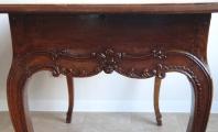 Barokní stůl s rokokovou intarzií a mřížkou (5).JPG
