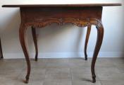 Barokní stůl s rokokovou intarzií a mřížkou (6).JPG