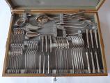 Stříbrné příbory pro šest osob, v dřevěné kazetě (1).JPG