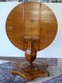 Biedermeirový salonní stůl, se sklopnou deskou (6).JPG