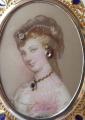 Zlatá brož s portrétem Sissi ve zdobném rámečku (5).JPG