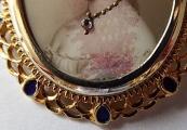 Zlatá brož s portrétem Sissi ve zdobném rámečku (4).JPG