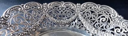 Stříbrná mísa v historizujícím stylu - Schleissner, Hanau (4).JPG