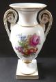 Vázička ve tvaru antické vázy, s květy - Míšeň (2).JPG