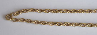 Zlatý řetízek z dvojitých splétaných článků (2).JPG