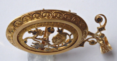 Zlatý prořezávaný medailon, brož, s květy a černým emailem (6).JPG