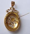 Zlatý prořezávaný medailon, brož, s květy a černým emailem (7).JPG