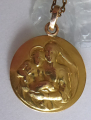 Zlatý přívěsek s Pannou Marií a Ježíškem, řetízek pozlacený (2).JPG