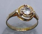 Zlatý prstýnek se spirálou a safírem (2).JPG