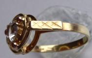 Zlatý prstýnek se spirálou a safírem (5).JPG
