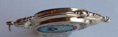 Stříbrný medailon se smaltem a maceškou - Biedermeier (7).JPG