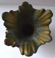 Secesní kovová váza s ptáčky a žabakami (5).JPG