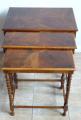 Tři stolky, hnízdové - tordované sloupky (2).JPG